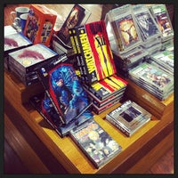Photo taken at Livraria Cultura by Michel R. on 5/25/2013