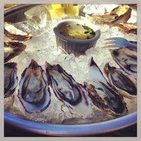 Foto tirada no(a) Hog Island Oyster Farm por Lo L. em 5/19/2013