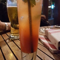 Photo taken at T.G.I. Friday's by Yuni A. on 2/10/2018