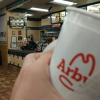 Photo taken at Arby's by Fazıl on 7/10/2017