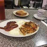 Photo taken at Rolando's Diner by Kenneth S. on 11/21/2016