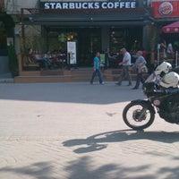5/2/2013 tarihinde Semih S.ziyaretçi tarafından Starbucks'de çekilen fotoğraf