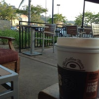 Photo taken at The Coffee Bean & Tea Leaf by Paula S. on 4/29/2013