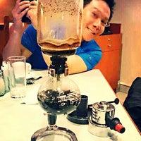 Photo taken at Mezza Cafe Aston Rasuna by Diego Jose R. on 7/22/2013