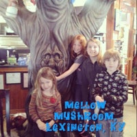 Photo taken at Mellow Mushroom by Kerry D. on 3/31/2013