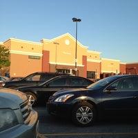 Das Foto wurde bei Walmart Supercenter von Andy W. am 4/25/2013 aufgenommen