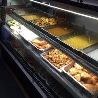 Photo prise au Punjabi Grocery & Deli par Jeff S. le12/19/2014