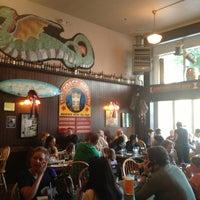 Foto diambil di Lost Coast Brewery oleh Dom D. pada 7/5/2013