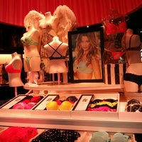 Photo taken at Victoria's Secret PINK by Flávia M. on 4/26/2013