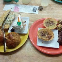 Photo taken at Golden Corral by Terrance D. on 4/13/2014