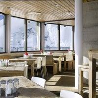 Das Foto wurde bei threes!xty- Drehrestaurant & CofFee von Berge & Mehr GmbH am 3/25/2014 aufgenommen