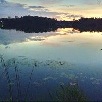 Foto scattata a Lake of the Isles da Santa E. il 9/10/2013