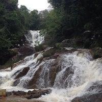 Photo taken at Thác Datanla (Datanla Waterfall) by Thidarat P. on 5/16/2014