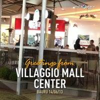 Foto tirada no(a) Villaggio Mall Center por Marcelo G. em 6/15/2013