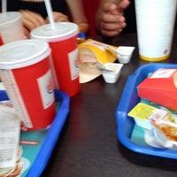 Photo taken at Burger King by .İNAN . on 7/16/2013