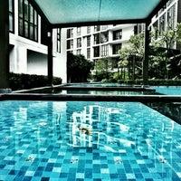 Photo taken at Swimming Pool by Kananun R. on 11/13/2016
