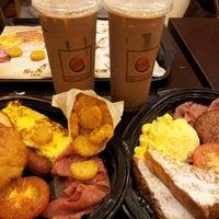 Das Foto wurde bei Burger King von Natashaz Alicia B. am 5/24/2013 aufgenommen