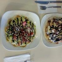 5/3/2013 tarihinde Ezgi Ç.ziyaretçi tarafından Çekirge Waffle'de çekilen fotoğraf
