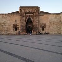 5/8/2013にÖnder Ç.がBuruciye Medresesiで撮った写真