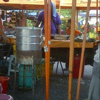 Photo taken at Sec13 Car Boot Sale by Mokhtar M. on 11/10/2012