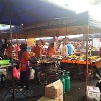 Photo taken at Sec13 Car Boot Sale by Mokhtar M. on 3/31/2013
