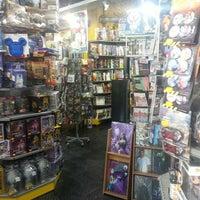 Foto diambil di Comic Stores oleh Nicolás D. pada 7/2/2013