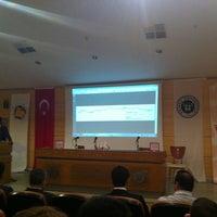Photo taken at Mavi Paylaşım Sualtı Sporları ve Bilimleri Toplantısı by Alper C. on 5/9/2014