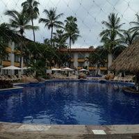 Foto tomada en Plaza Pelicanos Club Beach Resort por Liset el 8/23/2017