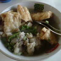 Photo taken at Bakso Kikil Seruni by erma r. on 11/21/2012
