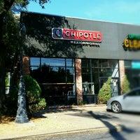 Das Foto wurde bei Chipotle Mexican Grill von K. K. am 9/22/2016 aufgenommen