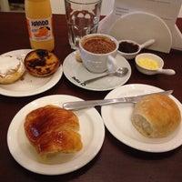 Foto tirada no(a) B.LEM Portuguese Bakery por Pedro L. em 9/1/2014