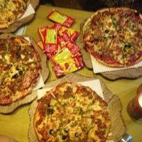 Photo taken at Pizza Papas   پیتزا پاپاس by Alireza B. on 3/29/2015