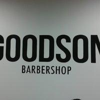 7/4/2014 tarihinde Konstantin T.ziyaretçi tarafından Goodson barbershop'de çekilen fotoğraf