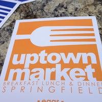 รูปภาพถ่ายที่ Uptown Kitchen & Bar โดย Linda G. เมื่อ 5/11/2013