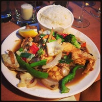 Photo taken at Song Thai Restaurant & Bar by Jenzie In The City on 9/5/2013