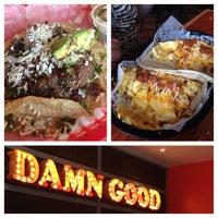 Das Foto wurde bei Torchy's Tacos von Jethrina S. am 6/22/2013 aufgenommen