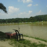 Photo taken at Kolam Pancing kampung Kledang (KPKK) by Legonas S. on 7/7/2013
