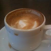 5/17/2013에 Paul R.님이 Koba Cafe에서 찍은 사진
