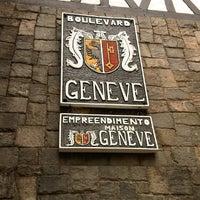 Foto tirada no(a) Boulevard Geneve por Aline L. em 12/1/2012