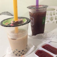 Photo taken at Lohas Tea Shop (Bubble Milk Tea) by Wai yain W. on 11/14/2014