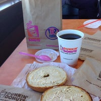 Photo taken at Dunkin' Donuts by Sofia G. on 1/22/2014
