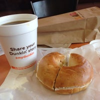 Photo taken at Dunkin' Donuts by Sofia G. on 2/1/2014