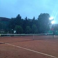 Photo taken at Havuzlu Konak Tenis Kortları by Güler T. on 6/8/2015