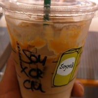 Photo taken at Starbucks by denden 7. on 9/9/2014