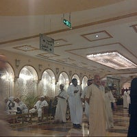 Photo taken at Al safwah royale orchid hotel by Nti M. on 10/30/2012