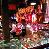 Photo taken at Mercado de San Miguel by Holda H. on 4/10/2013