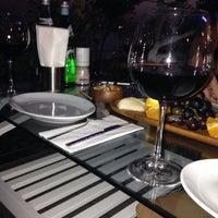 6/9/2014 tarihinde Yılşen🎶 D.ziyaretçi tarafından Nossa Cafe & Brasserie'de çekilen fotoğraf
