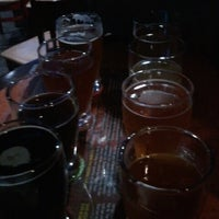 Photo taken at Oggi's Pizza & Brewing Company by Rachel M. on 12/30/2012