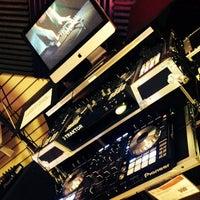 Photo taken at Guitar Center by VehlliaT on 4/9/2014