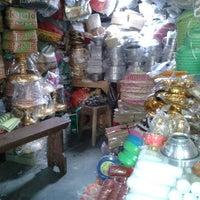 Photo taken at Pasar Umum Sukawati by Ary O. on 10/15/2013